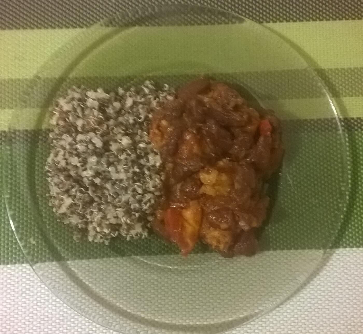 Chili de fasole roșie cu cartof dulce și quinoa
